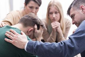 Family giving support to know How To Prevent Relapse After An Outpatient Program