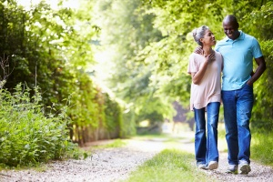 couple walking and talking about Outpatient vs. Intensive Outpatient Programs